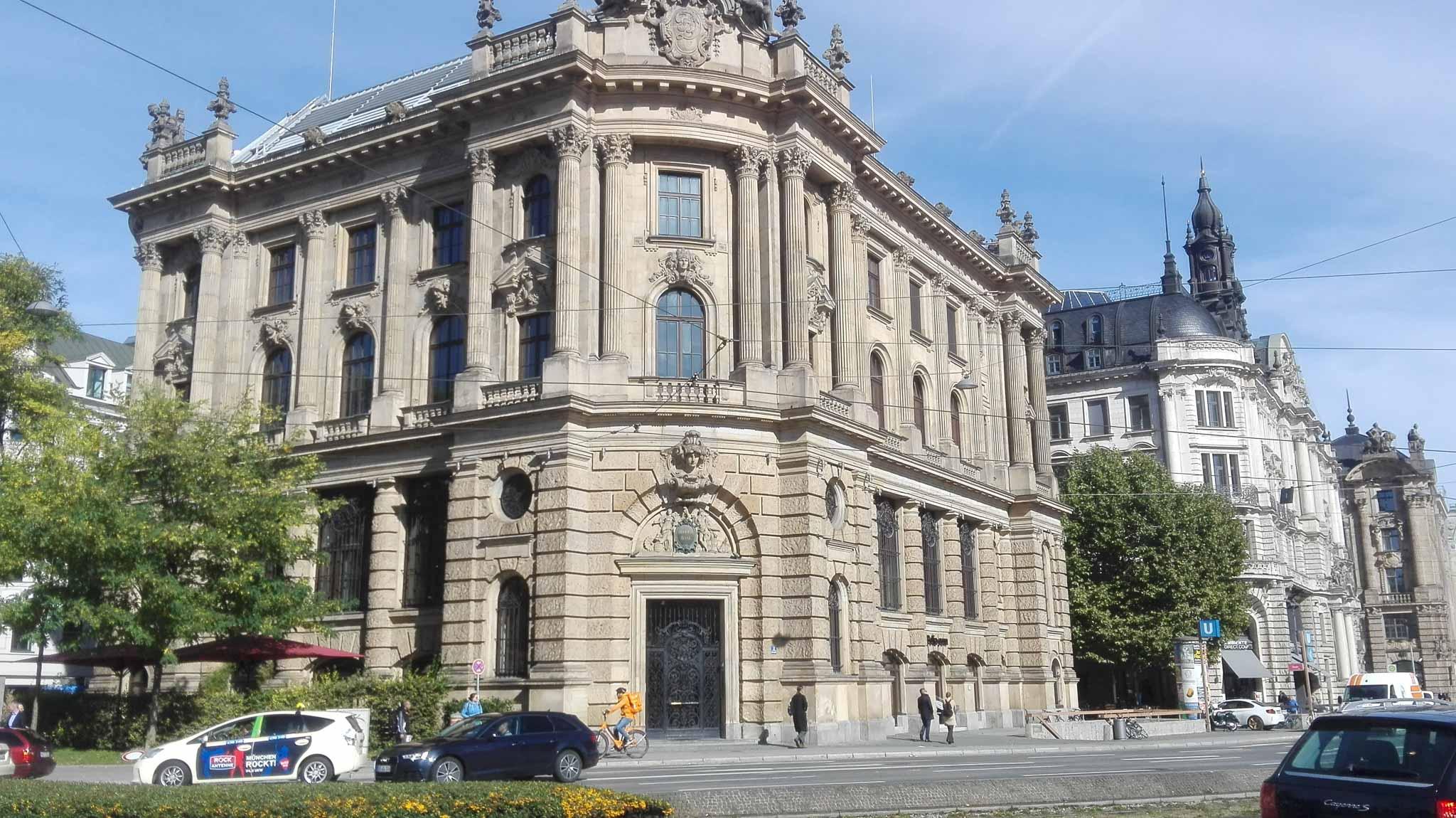 Tłumaczenia Monachium